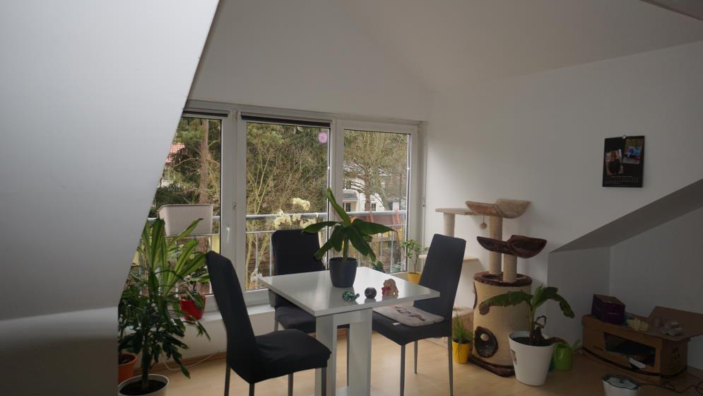 ETAGE in Michendorf - VERMIETET - Kleines Reich im Grünen- Single-Dachgeschosswohnung